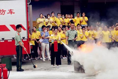 伊丽莎白美容学校消防演习引起区政府领导重视