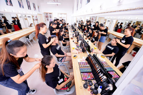 化妆造型全科班