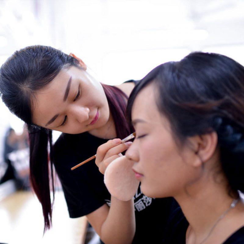 化妆晚班周末班
