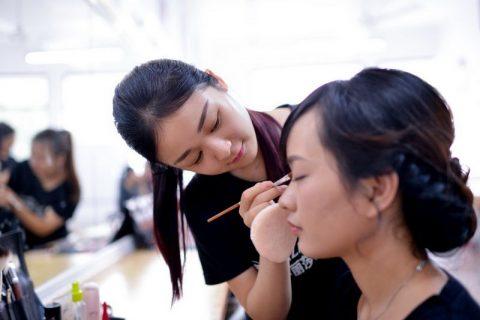 佛山化妆学校学费多少钱一个月?
