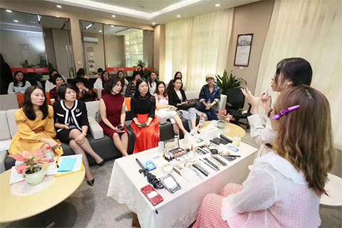 伊丽莎白学校携手平安银行举办美妆分享沙龙|私享美学荟