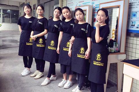 化妆师找工作难?为什么在广州很多化妆行业的人都找不到工作?